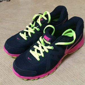 Nike sneakers, new, size 9